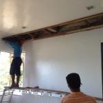 床が終わったので、天井補修。