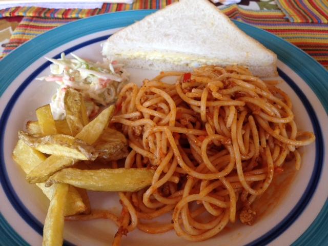 スパゲッティーとタマゴサンド