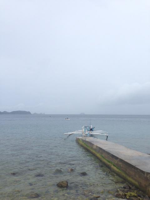 アニラオの朝の海