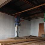 階段踊り場天井設置