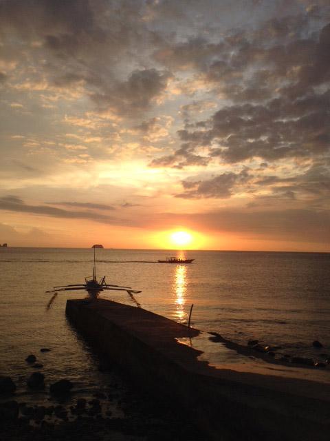 アニラオの夕日