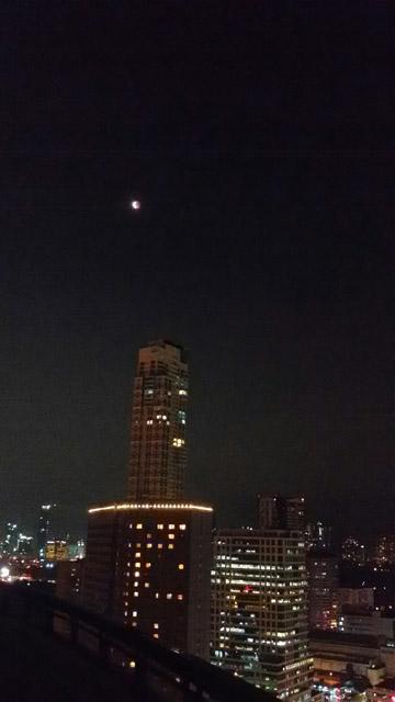マニラの月食