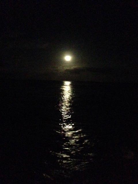 アニラオの月の入り