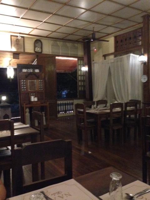 イロカノレストラン内部