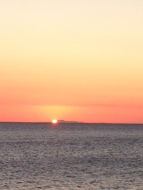 ルバング島に沈む夕日