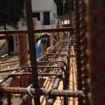 11日、梁と床の鉄筋は連結です。
