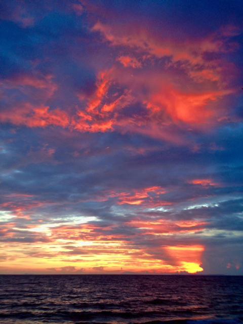 フィリピンの海の夕焼け