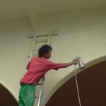 外壁最後のひと塗り。はしごまで塗られちゃってる。