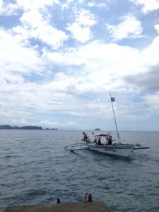 アニラオのお昼の海