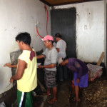 新洗濯場、上水道の位置決めと、配管の溝掘り。
