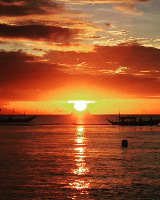 フィリピンの夕日ダイヤモンドソンブレロ