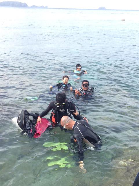 マニラ家族で体験ダイビング