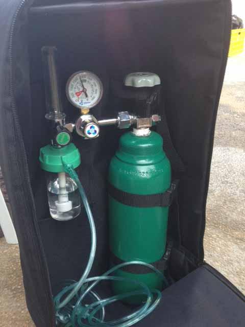 酸素ボトル