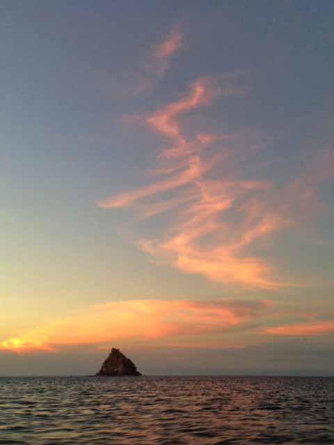 ソンブレロ島夕焼け