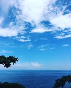 アニラオの海と空