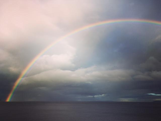 アニラオの虹
