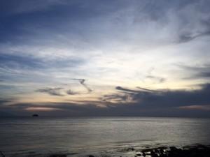アニラオの夕空