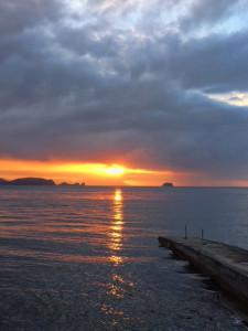 アニラオの大晦日の夕日