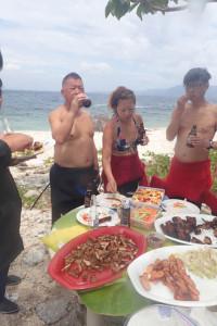 フィリピン島でバーベキュー