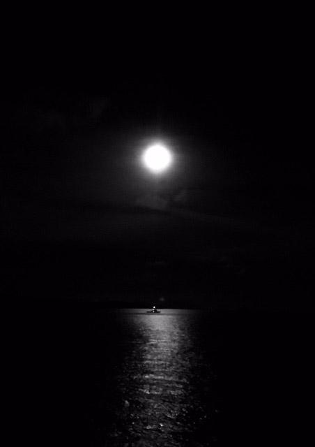 アニラオ月の入り