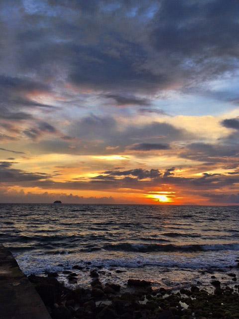 海と雲と夕焼け