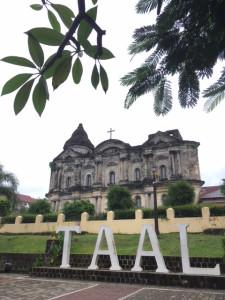 タアルの教会