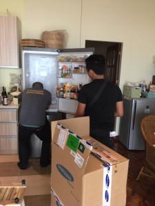 アニラオの冷蔵庫修理