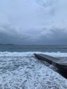 アニラオの早朝の海